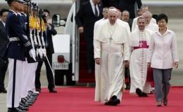 Papa Francisco hace un llamado a la paz en Corea y Kim Jong-un lo recibe con misiles