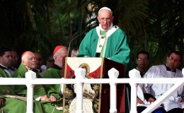 El papa Francisco celebró su primera misa en la Plaza de la Revolución