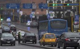 Taxis colectivos circulan por el Corredor Azul pese a estar prohibido