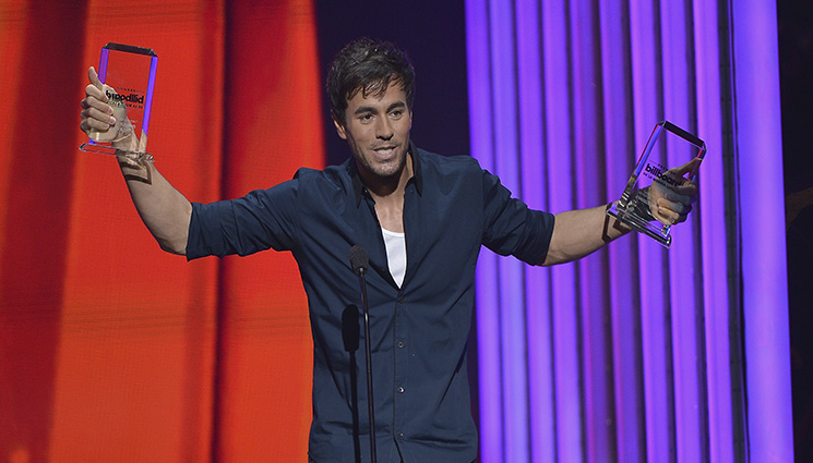 Enrique Iglesias arrasa en los Latin American Music Awards con cinco premios