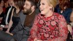 Adele recibió tierna sorpresa de su novio durante su concierto - Noticias de simon konecki