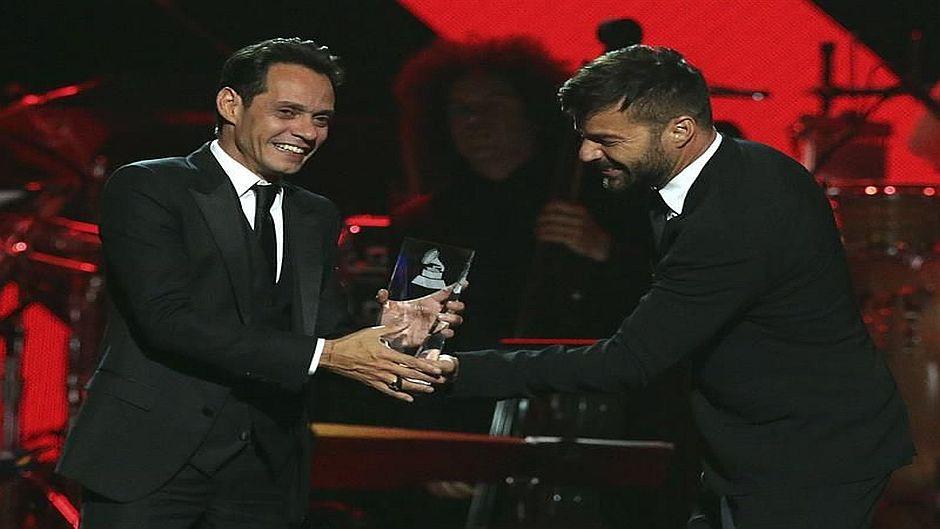 JLo y Marc Anthony versionaron a Pimpinela en los Grammy Latinos
