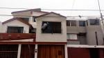 Trabajador limpia ventanas altas sin medidas de seguridad - Noticias de perla negra