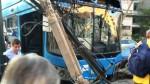 La Victoria: bus con pasajeros se empotró contra poste eléctrico - Noticias de choque de buses
