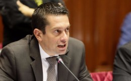 Miguel Torres planteará proyecto de ley para que alcaldes puedan ser reelectos