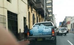 Cercado de Lima: parquean en zona rígida en plena hora punta