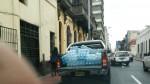 Cercado de Lima: parquean en zona rígida en plena hora punta - Noticias de walter olivo