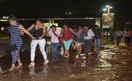 Río Huaycoloro: Ministerio exige tolerancia para trabajadores por desborde