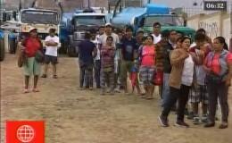 Jicamarca: decenas de personas forman colas para obtener agua