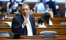 Arana despidió a 4 asesores parlamentarios cercanos a Verónika Mendoza