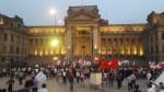 Marcha contra la corrupción: manifestantes protest...