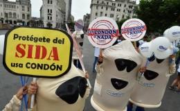Brasil distribuirá 77 millones de preservativos durante el carnaval