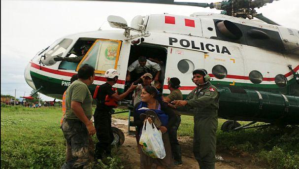 Niños y adultos fueron rescatados. Foto: Twitter Mininter