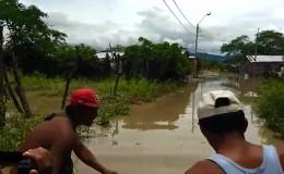 Piura: 150 viviendas colapsan por inundaciones en Chulucanas