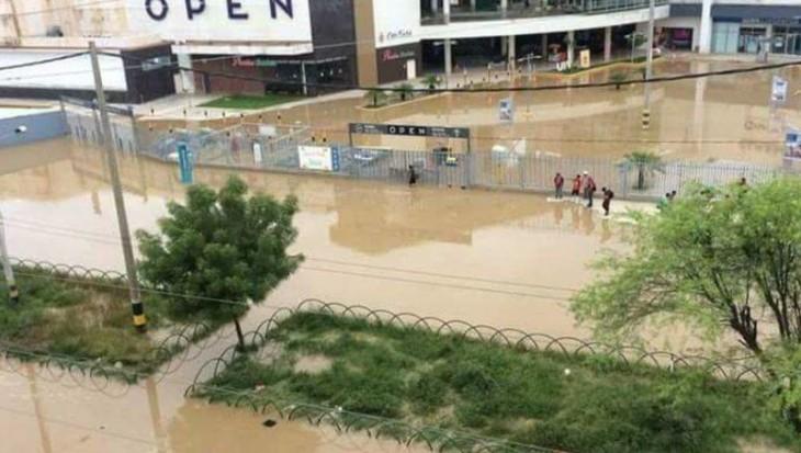 #FuerzaPiura es tendencia tras desborde del río
