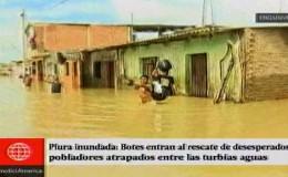 Piura: botes trasladaron a ciudadanos atrapados entre las turbias aguas