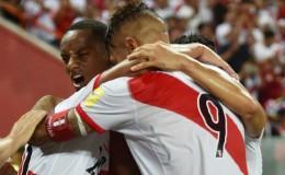 Perú venció 2-1 a Uruguay y se aferra al sueño del Mundial Rusia 2018