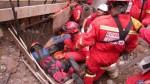 SJM: obrero quedó atrapado en zanja tras deslizamiento de rocas - Noticias de san macos uni villa