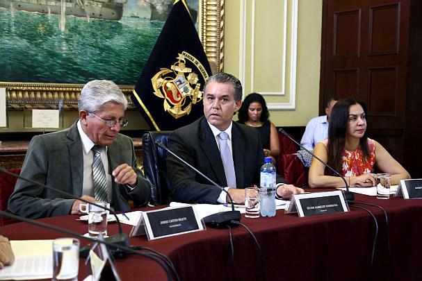 Víctor Albrecht renunció a la presidencia de la Comisión