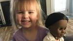 Facebook: niña de dos años explica por qué eligió a muñeca afroamericana - Noticias de sophie clayton