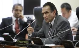 Becerril dice que apoyará ley de medios de comunicación