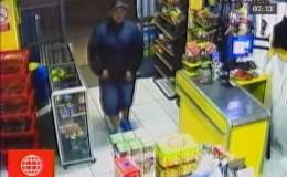 SJL: delincuentes asaltan un minimarket y se llevan más de 7 mil soles