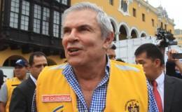 Castañeda sostiene que bajón en encuestas es por poca difusión de sus obras