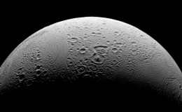 [VIDEO] La luna de Saturno tendría condiciones para albergar vida