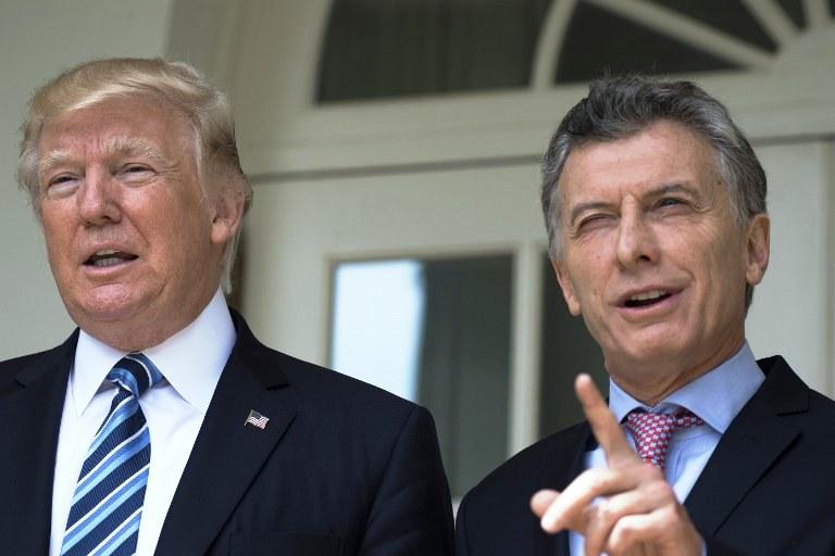 Trump le entregó a Macri documentos desclasificados vinculados con la dictadura