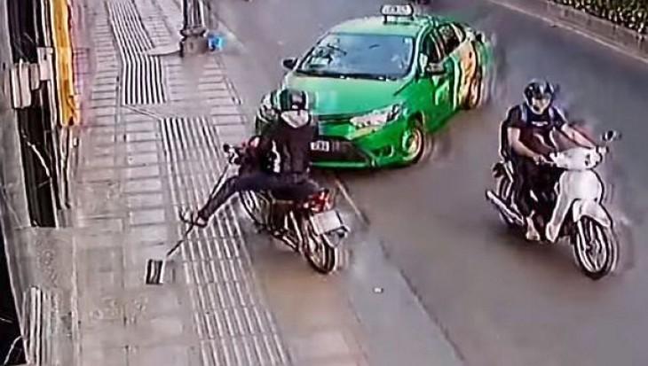 YouTube: le robó la cartera a una mujer y metros más adelante fue atropellado