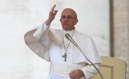 Papa Francisco llama a un cese de la violencia en Venezuela