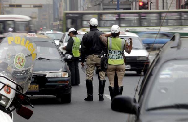 Desvío vehicular en seis distritos de Lima por maratón Lima 42k — ATENCIÓN