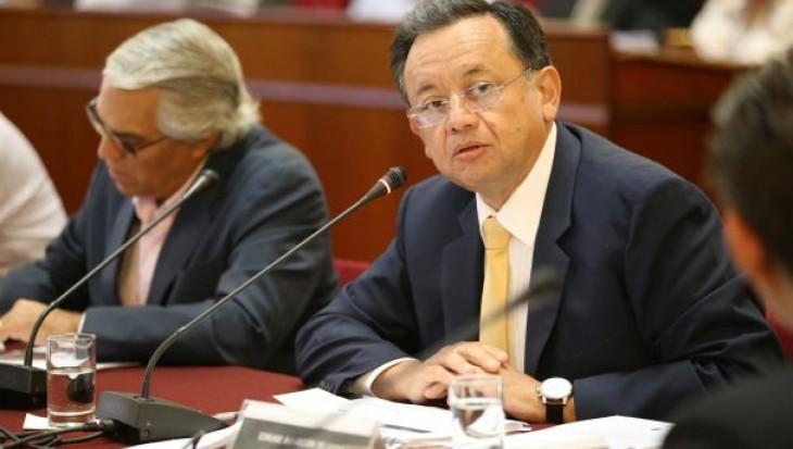 Contralor Alarcón pidió a funcionario que retire denuncia en su contra