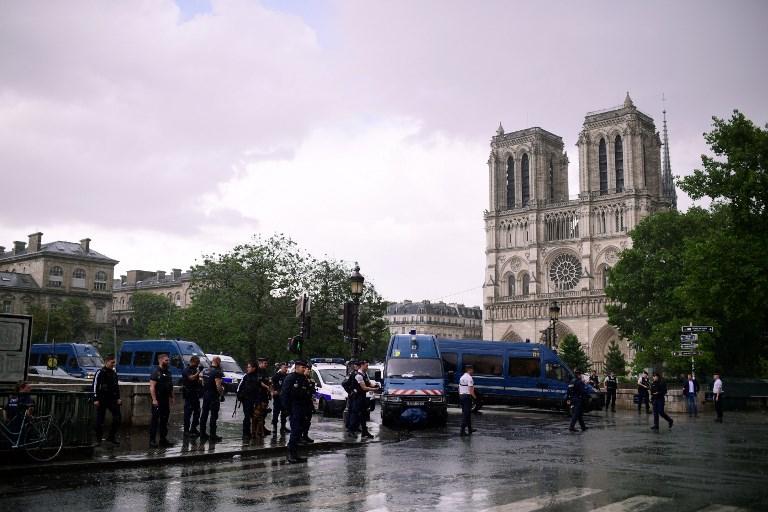 Frustran un ataque con martillo en París