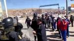 Puno: profesores se enfrentan a la Policía en bloqueo de carretera - Noticias de carretera central