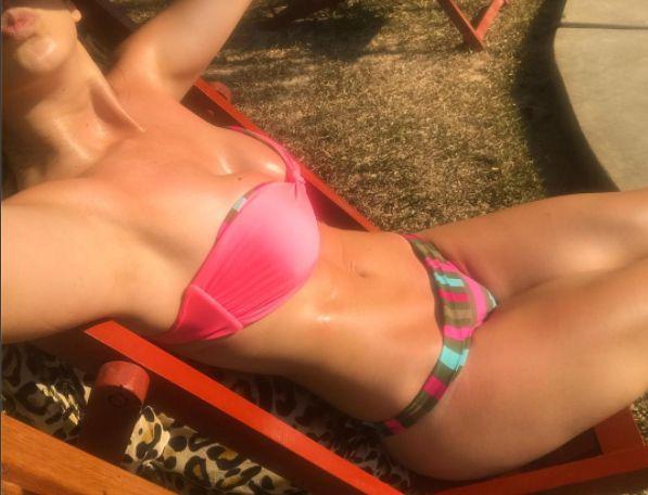 Sully Sáenz en bikini