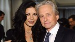 Hija de Catherine Zeta Jones y Michael Douglas sorprende en desfile de modas - Noticias de hollywood