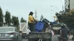 Magdalena: vehículo del municipio transita sin placa ni luces - Noticias de trabajador de limpieza