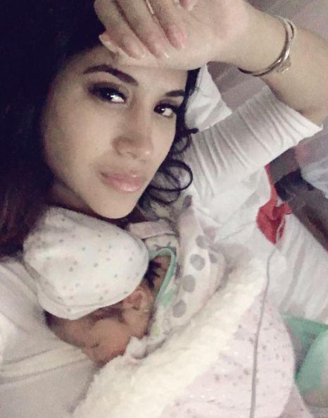 Melissa Paredes y su bebé