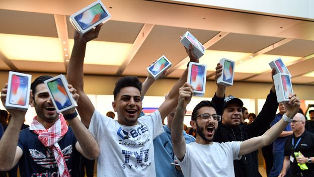 El iPhone X salió a la venta
