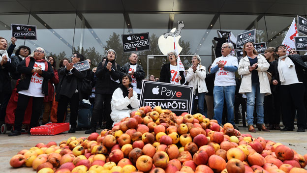 Protestas en París contra Apple